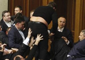 Фотогалерея: Свободу не спинити. Массовые драки новоизбранных депутатов в Раде 7 созыва