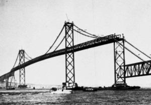В США рухнул мост с товарным поездом, перевозившим сильнейший мутагенный яд
