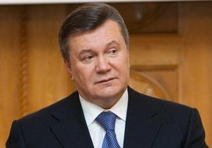 Отойдите в сторонку. Янукович обратился к чиновникам, которые  не выдерживают