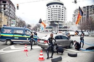 Британцы напомнили украинским водителям о необходимости перехода на летнюю резину.