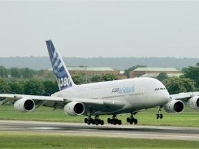 В США пассажир выпрыгнул из самолета до его остановки
