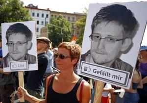 Тысячи немцев протестуют против шпионажа США