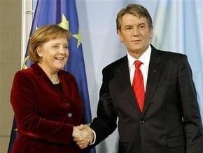 Ющенко пообещал Меркель приехать на газовый саммит