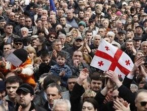 СМИ: У парламента Грузии собрались около 30 тысяч человек