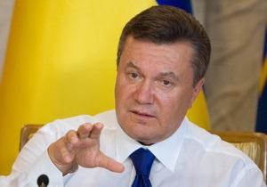 Ъ: Виктор Янукович ведет партстроительные работы