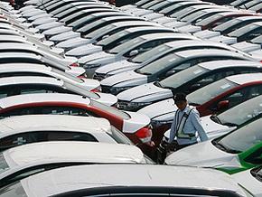 Продажи автомобилей в США рухнули на 23%