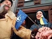 Опрос: Более половины украинцев поддерживают отказ НАТО
