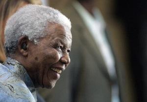 Нельсону Манделе стало лучше