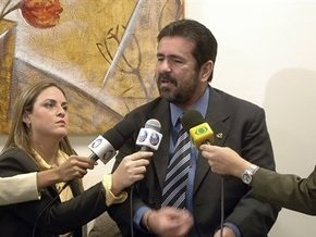 В Бразилии ищут депутата, организовавшего ряд убийств для повышения рейтинга его телешоу