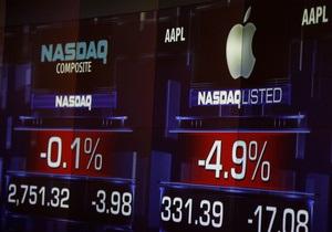 Индекс S&P снова достиг рекорда благодаря банкам и росту Apple