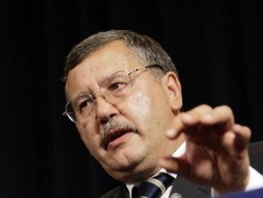 Гриценко считает, что Лозинскому помогли скрыться киевские чиновники