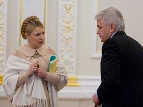 Тимошенко и Литвин поздравили выпускников школ