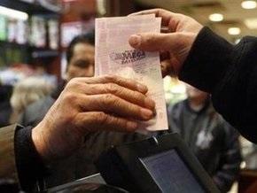 В США бригада коммунальных рабочих выиграла в лотерею $207 млн