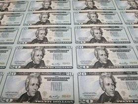 Нацбанк отметил снижение долларизации экономики Украины