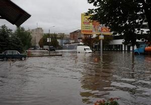Потоп в Киеве: спасатели эвакуировали на лодках 37 человек