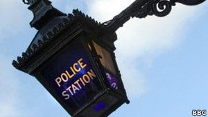 У полиции Британии украли вещей на сотни тысяч фунтов