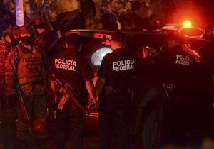 В Мексике в результате нападения на бар погибли не менее 13 человек