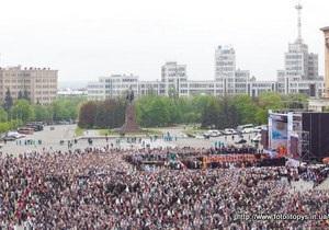 С сайта УПЦ убрали фото, на котором с помощью Photoshop увеличили число верующих на богослужении Кирилла