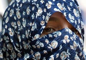 В мусульманских странах появились книги о том, как правильно бить жен