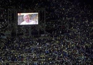 На ночную службу Папы в Рио собрались 2 млн человек