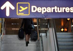 Снегопады на западе: Во Львовском аэропорту отменен ряд рейсов
