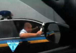 Пресс-служба Азарова утверждает, что инцидент на дороге произошел не с его кортежем