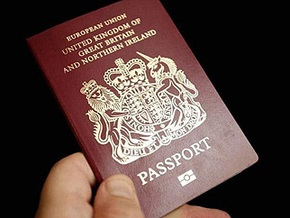 Британку попросили показать паспорт при покупке чайных ложек
