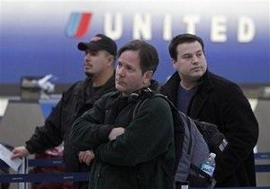 Самолет United Airlines экстренно сел в США из-за угрозы взрыва