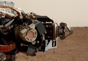 Новости науки - Марс - Кьюриосити: необычно большое количество воды заставило Кьюриосити задержаться у камня Камберлэнд