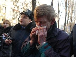 УНП просит МВД возбудить дело по факту избиения активистов, обливших памятник Ленину в Киеве