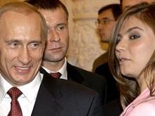 Остановлен выпуск издания, женившего Путина на Кабаевой