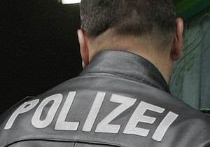 В Германии во время насильственного выселения мужчина захватил заложников