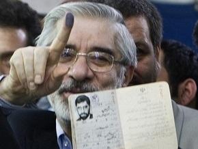 СМИ: Власти Ирана арестовали соперника Ахмадинеджада
