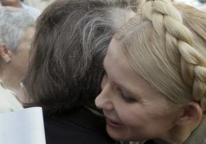 В ПР оправдывают действия ГПУ в отношении Тимошенко: Говорит, что болеет, а участвует в ток-шоу