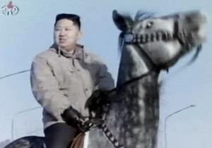 Главное издание КПК вслед за американским юмористическим сайтом объявило Ким Чен Уна секс-символом 2012 года