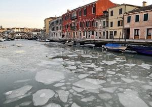 Ученые: Венеция продолжает тонуть и смещается к востоку