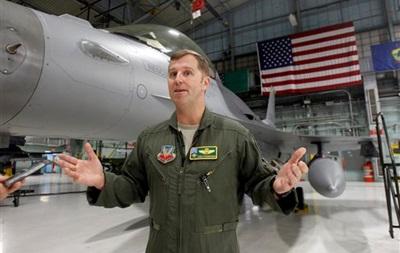 Новейший американский бомбардировщик F-35 в ходе испытаний впервые сбросил бомбу - источник