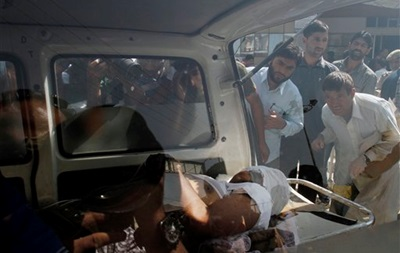 В Индии во время праздника неизвестные расстреляли семь человек