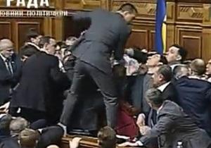 Во время драки депутаты сломали устройства для голосования в секторе УДАРа - Рада