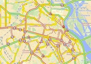 Первый снег. В Киеве образовались восьмибалльное пробки - Киев пробки - аварии Киев