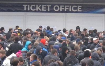 Билеты на матч Украина-Франция купить через кассу практически не возможно.