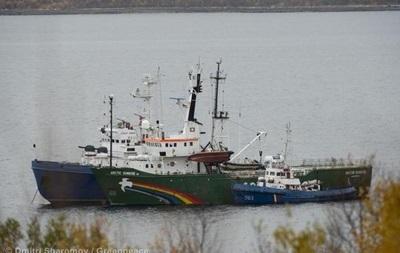 Арестованных активистов Greenpeace перевели в Санкт-Петербург