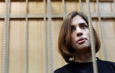 Адвокат Надежды Толоконниковой Ирина Хрунова, по ее словам, также же не обладает информацией о местонахождении своей подзащитной.