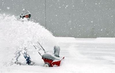 Во Франции прошел сильный снегопад, нарушивший транспортное сообщение