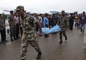 В Непале автобус с паломниками упал в канал, 34 человека погибли