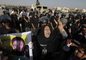 Мубарака доставили в суд на вертолете