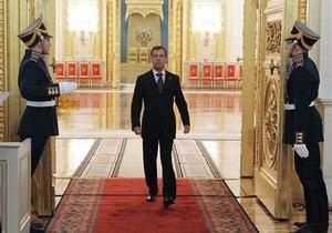 Медведев: Россия будет защищать своих разведчиков в любых ситуациях