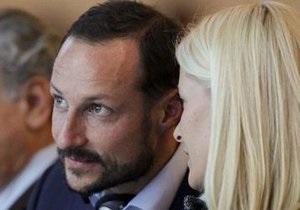 Принца Норвегии эвакуировали из-за задымления на борту самолета
