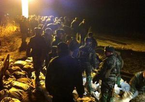 новости Киева - Бортничи - Бортническая станция - прорыв дамбы в Бортничах - дамба - потоп - наводнение - Прорыв дамбы в Бортничах: на месте происшествия работают военные