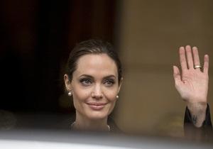 Анджелина Джоли сыграет собственную мать, умершую от рака